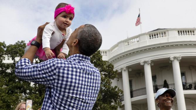 Happy-child-trusts-obama